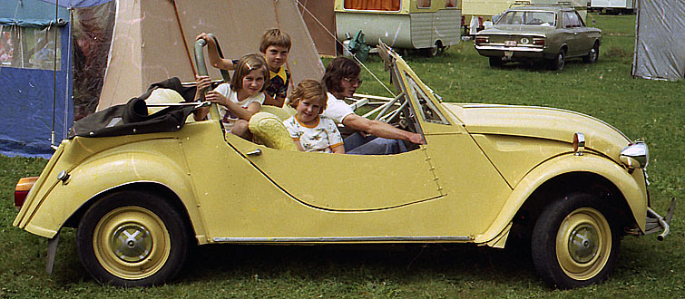 my citroen 2cv convertible in 1975. Black Bedroom Furniture Sets. Home Design Ideas