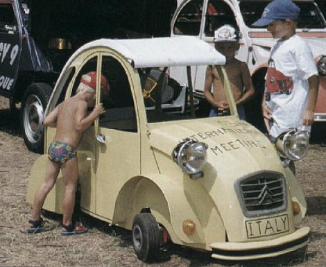 supermini Citroen 2cv fun